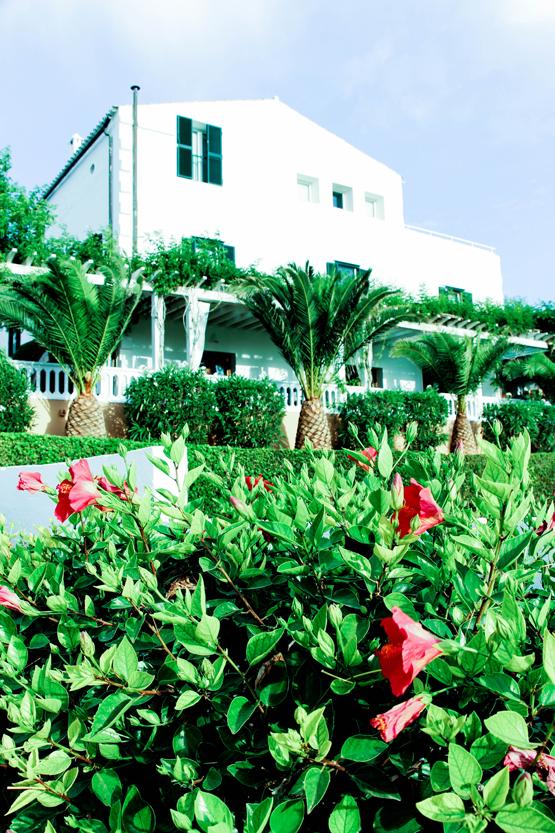 Jardín del hotel rural San Joan de Binissaida.
