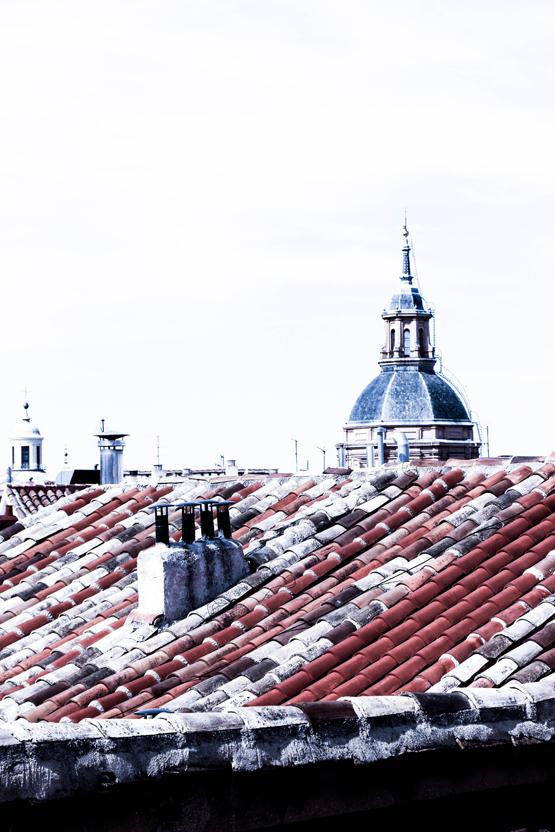 Los tejados de La Latina desde una de las ventanas del estudio.