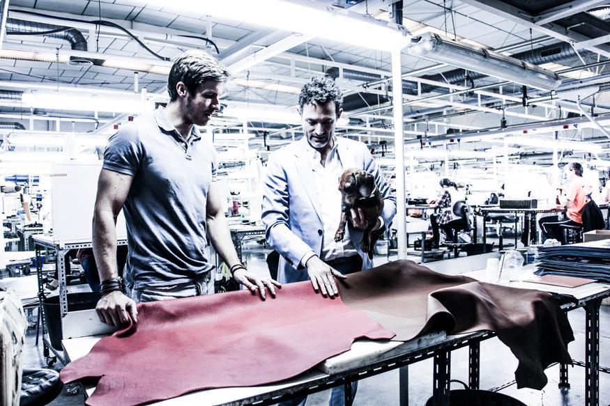 Proceso de selección de materiales en la fabrica de DIMOPEL.