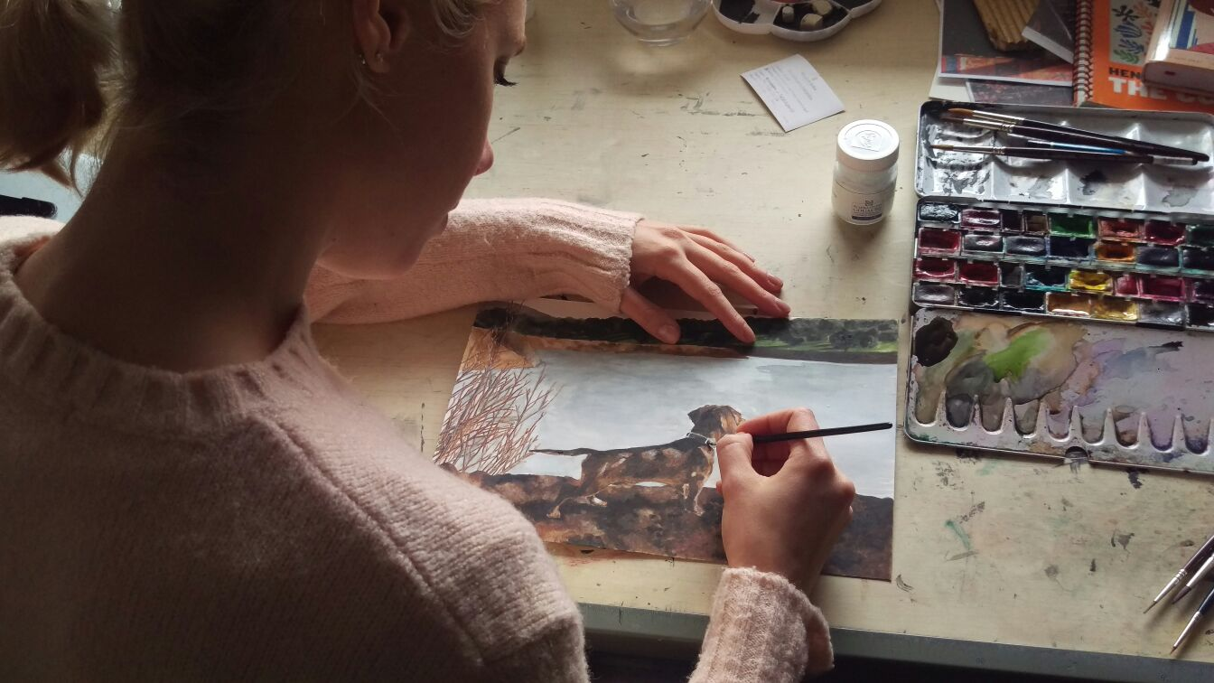 Lulu Figueroa Domecq en su estudio finalizando la obra.
