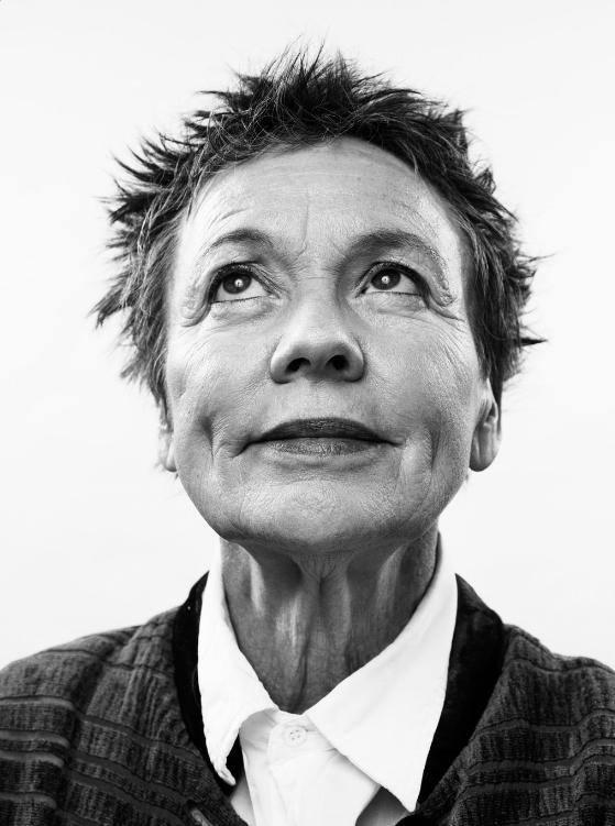 Laurie Anderson, directora invitada del Brighton Festival. Foto: @brightfest