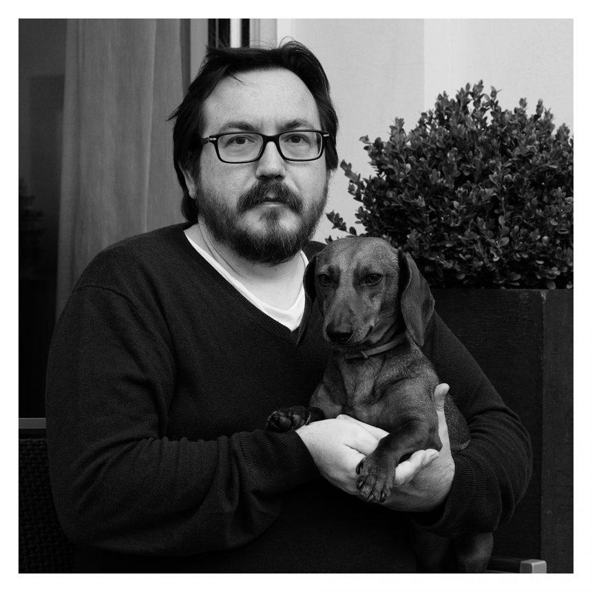 Daniel Arbós, periodista gastronómico, dice #NoAlAbandono de perros