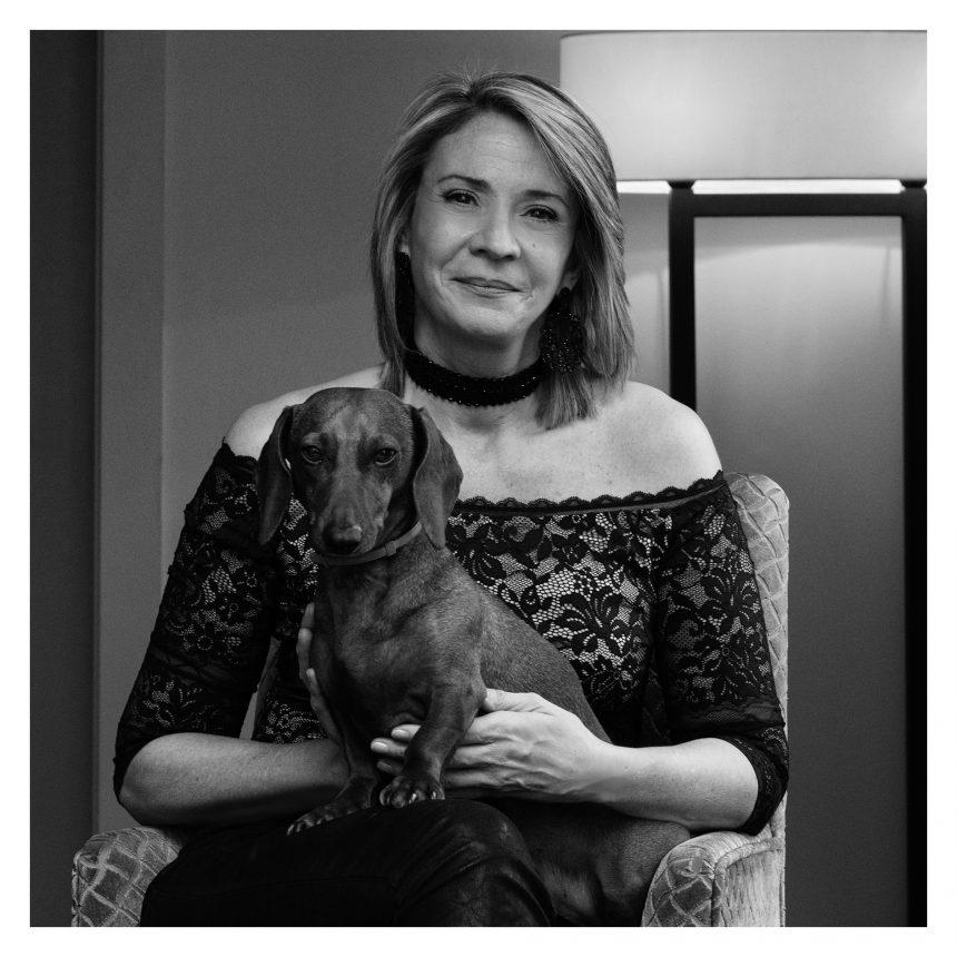Laura Falcó, presidenta de Prisma Publicaciones, dice #NoAlAbandono de perros