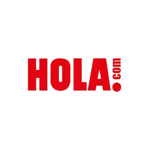 Fiona Ferrer Leoni presentó en HOLA.com nuestra camiseta, Eros #NoAlAbandono